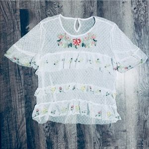 Feminine White Lace Top Embroidered Flowers